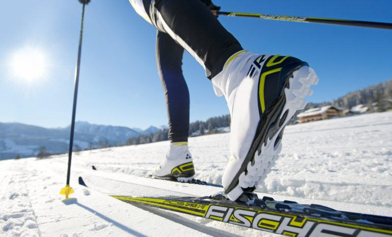 cross-country-skiing-624246_1920